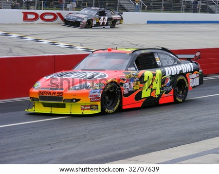 DOVER, DE - MAY 30:Jeff Gordon qualiying at the monster mile Nascar race  in Dover, DE on May 30, 2009. - stock photo