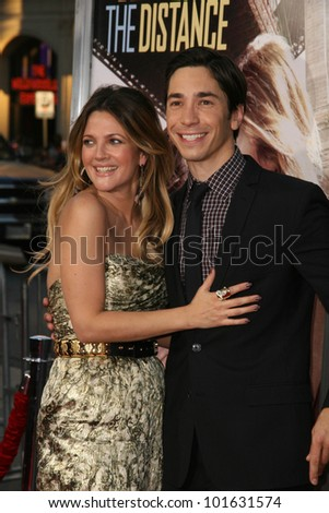 "Drew Barrymore and Justin Long at the ""Going The Distance"" Los Angeles Premiere, Chinese Theater, Hollywood, CA. 08-23-10"