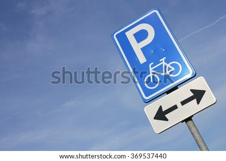 Dutch road sign: parking facilities only for bicycles
