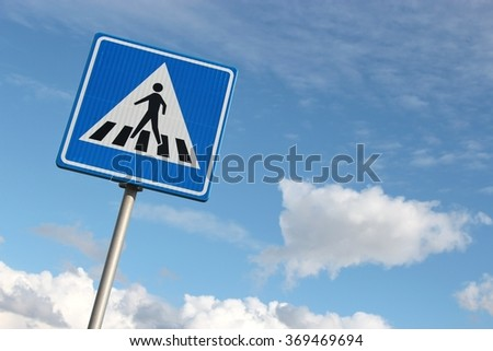 Dutch road sign: pedestrian crossing