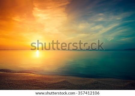 stock photo early morning sunrise over sea 357412106 - Каталог — Фотообои «Закаты, рассветы»