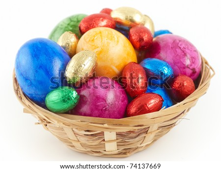 easter nest with eggs an chocolate