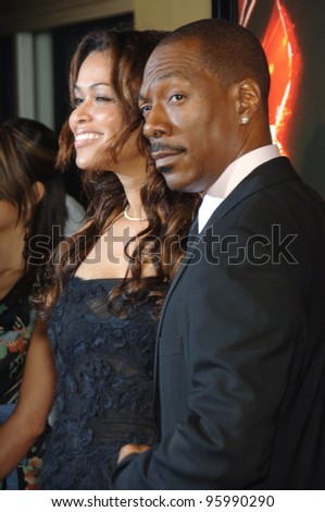 "EDDIE MURPHY & girlfriend TRACEY EDMONDS at the Los Angeles premiere of his new movie ""Dreamgirls"" at the Wilshire Theatre. December 11, 2006  Los Angeles, CA Picture: Paul Smith / Featureflash"