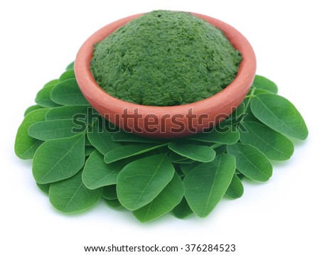 Edible moringa leaves with mashed ones