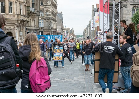 Edinburgh, Scotland - 23 August 2016 : Street Entertainer at Royal Miles. In The Edinburgh Festival Fringe, which is hold every August on 23 August 2016 in Edinburgh, United Kingdom