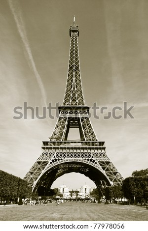 Eiffel Tower (black and white)