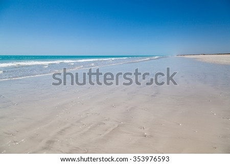 Eighty Mile Beach between Port Hedland and Broome, and is an ideal stopover on this long stretch of road. Australia This beach actually is 220 kilometeres home land of the Nyangumarta people