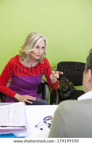 Elderly Person Consulting, Dialogue