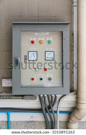 Ungewöhnlich Wie Man Den Leistungsschalter Zum Panel Hinzufügt Fotos ...