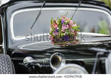 White Wedding Car Flowers Stock Photo 271470365 Shutterstock
