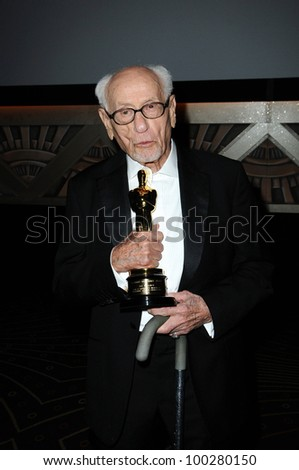 Eli Wallach at the  2nd Annual Academy Governors Awards, Kodak Theater, Hollywood, CA.  11-14-10