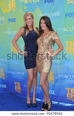 Elle Fowler & Blair Fowler (right) at the 2011 Teen Choice Awards at the Gibson Amphitheatre, Universal Studios, Hollywood. August 7, 2011  Los Angeles, CA Picture: Paul Smith / Featureflash