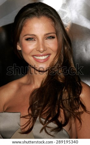 Elsa Pataky attends the Premiere of 'Snakes on a Plane' held at the Grauman's Chinese Theater in Hollywood, California on August 17, 2006.