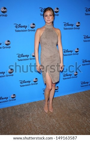 Emily VanCamp at the Disney/ABC Summer 2013 TCA Press Tour, Beverly Hilton, Beverly Hills, CA 08-04-13