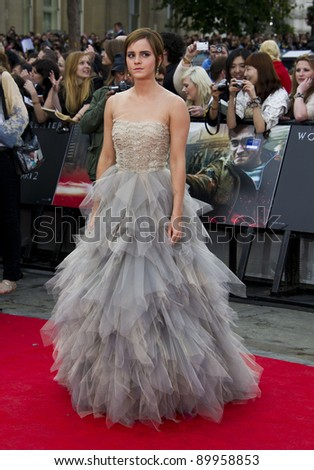 Emma Watson arriving for the World Premiere of 'Harry Potter & the Deathly Hallows pt2', Trafalgar Square, London. 07/07/2011  Picture by: James McCauley / Featureflash - stock photo