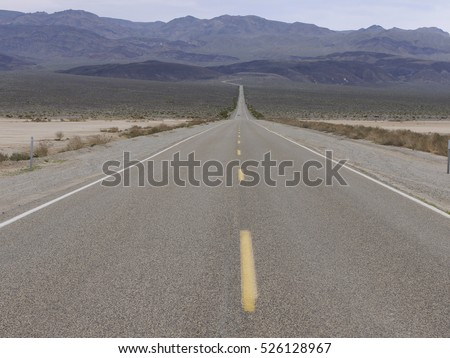 Empty road in the Californian desert