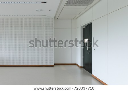 Empty Room Modern Interior   Floor With Soundproof Wall And Door