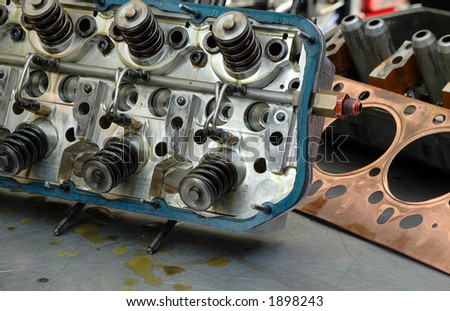Engine block and gasket