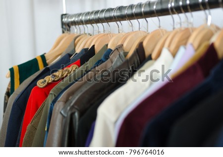 vintage style clothes rail uk, england morecambe 08162015 vintage second hand stock photo (royalty, Design ideen