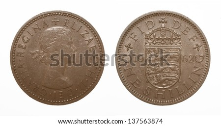 English three lions passant coat of arms 1962 Elizabeth II One Shilling Coin - stock photo