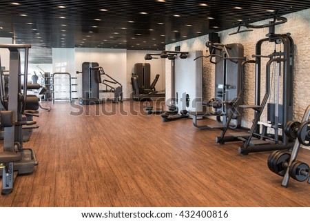 Fitnessraum modern  Equipment Machines Modern Gym Room Fitness Stock Photo 432400816 ...