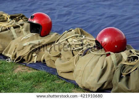 equipment parachutist