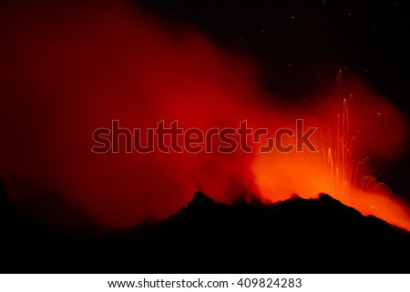 eruption of volcano Stromboli (aeolian islands / Italy)