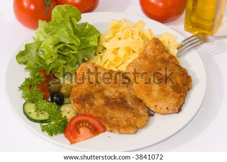 Escalope-Milanese-Schnitzel with Lettuce and Pasta -3-