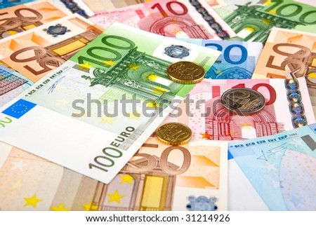 Eurobanknotes with few coins