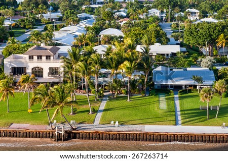Exclusive waterfront real estate - houses on the bay in Fort Lauderdale - stock photo