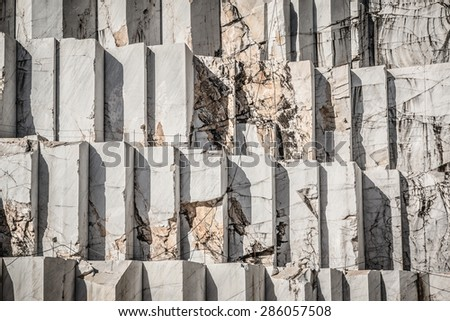 Extraction of marble in Carrara