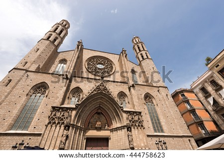 Facade of the Basilica of Santa Maria del Mar (1329-1383) in Catalan Gothic style. Barcelona, Catalonia, Spain