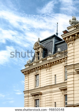 facede of old bulding Beaux Arts architecture