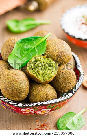 Falafel with spinach and feta cheese