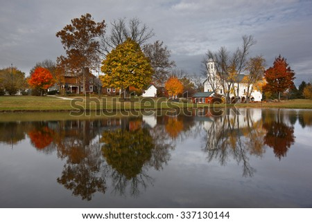 Fall in Heritage Park in Westerville, Ohio features the historic Everal Barn - stock photo
