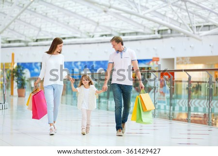 Families with a child with bags