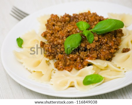 Farfalle pasta with bolognese sauce