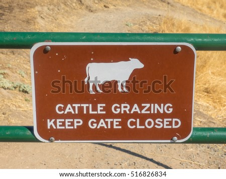 Farm Gate Sign to alert visitors and remind employees to proper procedure. Signs remind people to keep your gate closed to prevent animals wandering off.
