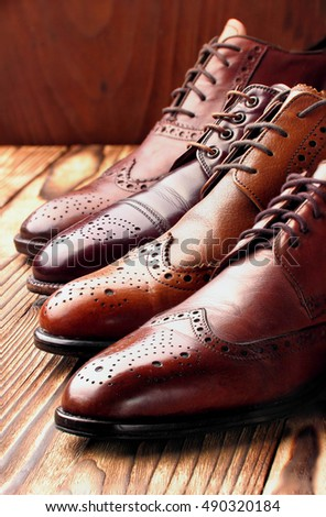 Fashion classical polished men's brown oxford brogues.