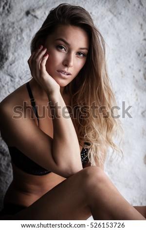stock-photo-fashion-portrait-of-beautifu
