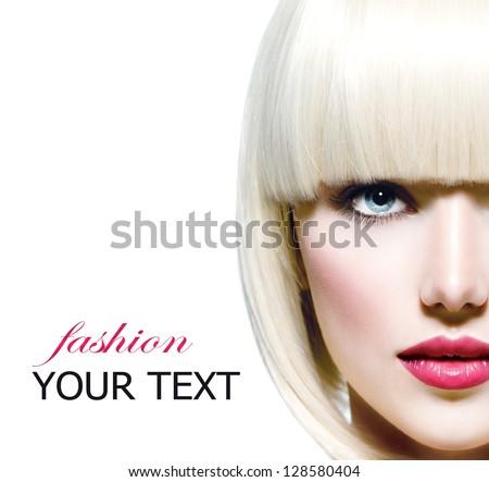Phong cách thời trang đẹp Portrait.  Beautiful Girl của Mặt Close-up.  Cắt tóc.  Kiểu tóc.  Fringe.  Trang điểm chuyên nghiệp.  Make-up.  Vogue Phong cách Woman.  Bị cô lập trên một nền trắng.  Trắng tóc ngắn