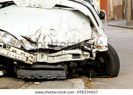 Fatal traffic accident with total damage of white car