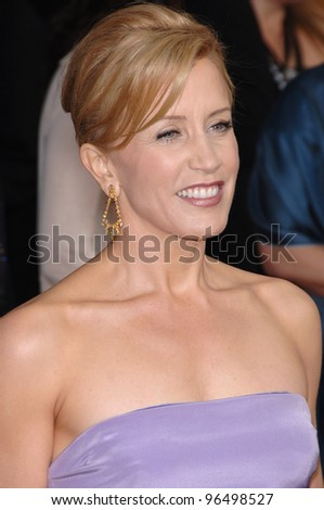 FELICITY HUFFMAN at the 12th Annual Screen Actors Guild Awards at the Shrine Auditorium, Los Angeles. January 29, 2006  Los Angeles, CA  2006 Paul Smith / Featureflash
