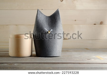 Felt handmade kitty clock - stock photo