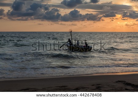 Fishermen go to sea in the evening fishing
