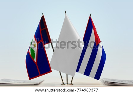 Flags of Sint Eustatius and Cuba with a white flag in the middle