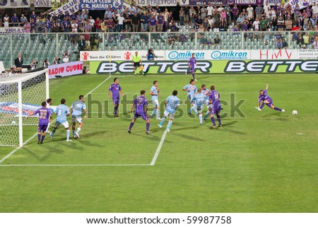 FLORENCE - AUGUST 30: Fiorentina vs Napoli, first day of the Italian Championship August 30, 2010 in Florence, IT