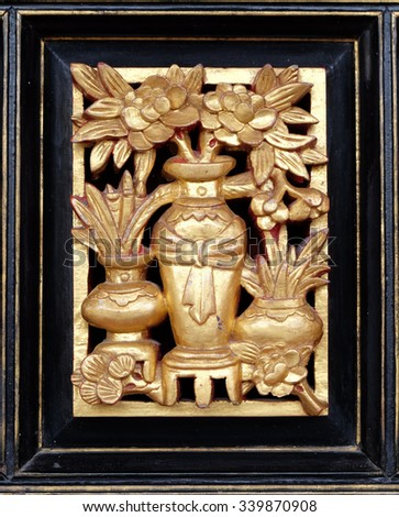 Flower pot wood carving with gold leaf finished.