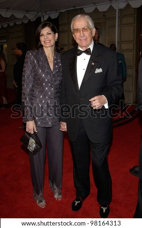 Former TV presenter ED McMAHON & wife at the 28th Annual People's Choice Awards in Pasadena. 13JAN2002.  Paul Smith/Featureflash