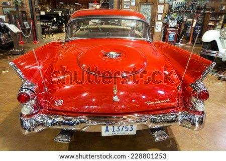 FORT LAUDERDALE, FLORIDA, USA - AUGUST 30: Fort Lauderdale Antique Car Museum exhibits a collection of Packard automobiles on August 30, 2014 in Fort Lauderdale, Florida, USA.